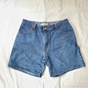 Levi's 550 Relaxed Fit Mom Jean Shorts size 8